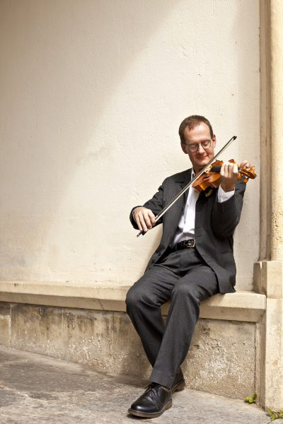 Vaughan Jones violinist for concerts, recitals and recordings