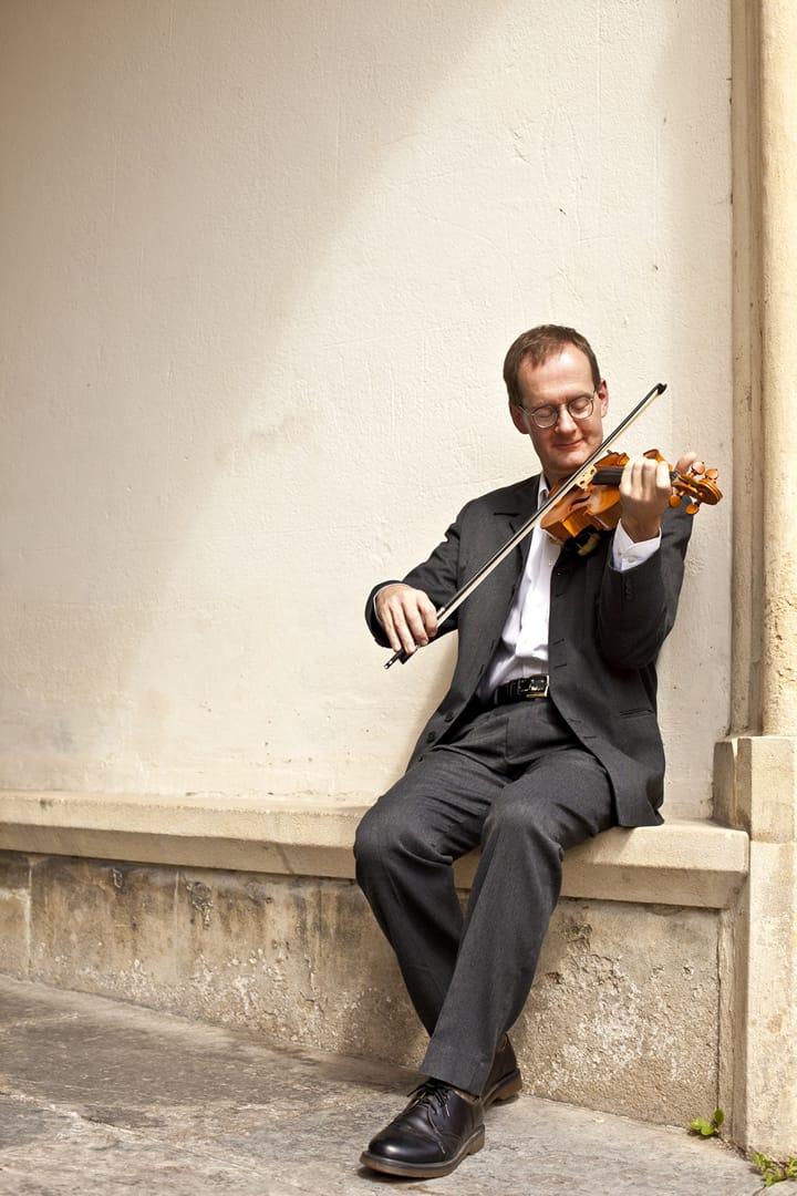 Vaughan Jones violinist for concerts, recitals and recordings